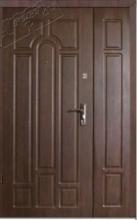 Полуторные  двери Лакоста  (улица).