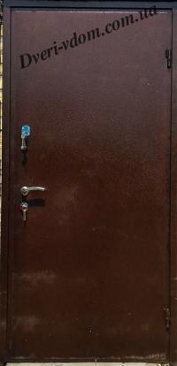 Металлические двери с двойным уплотнением